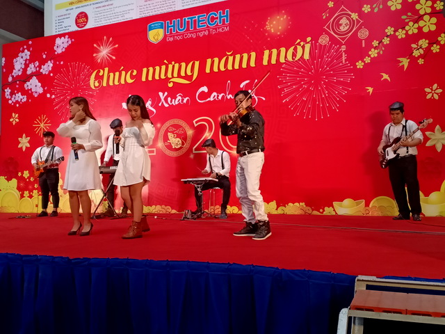 Ban Nhạc Tumbadora Hutech Year End Party 001