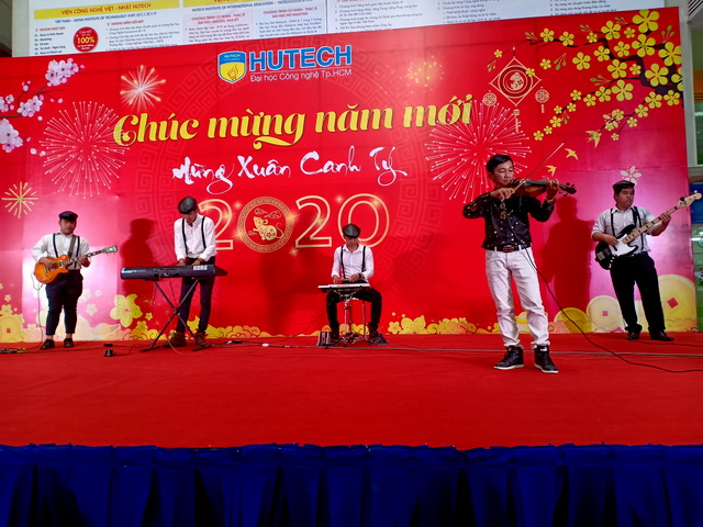 Ban Nhạc Tumbadora Hutech Year End Party 002